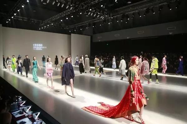 北京服装学院国际青年设计师邀请展开幕